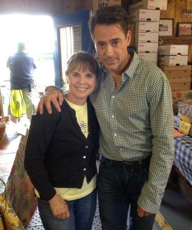 """Karen Smiarowski with Robert Downey Jr. at Smiarowski Farm Stand on June 12, 2013 during the filming of """"The Judge."""" (Karen Smiarowski)"""
